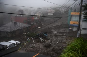Dos muertos y una veintena de desaparecidos en Japón por deslizamiento de tierra tras fuertes lluvias