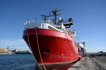 """El """"Ocean Viking"""" socorre a 203 migrantes en el Mediterráneo en pocos días"""