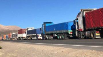 Chile dice que asumirá acciones para atender a transportistas en frontera con Bolivia