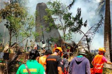 El número de víctimas por el accidente del avión militar en Filipinas sube a 52