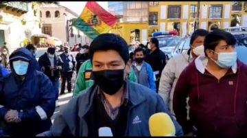 Vecinos marchan en demanda del cambio del personal en Catastro