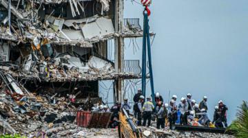 Suben a 28 los muertos en derrumbe de Florida al reanudarse búsqueda de sobrevivientes