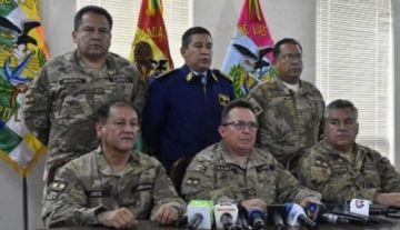 Defensa de dos exjefes militares apunta a Kaliman la responsabilidad por 'sugerir' la renuncia de Morales