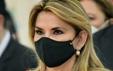 """Juez negó a Añez """"casa por cárcel"""" y ella reprochó que la fiscalía presente un Twitter falso"""