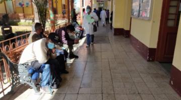 Por variante andina, médicos piden vacunar desde los 12 años y Gobierno dice que no es para preocuparse