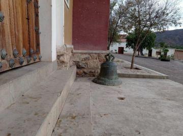 Denuncian desaparición de una campana colonial en Toropalca
