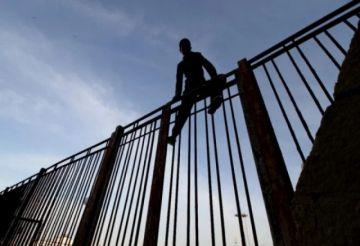 Entran en el enclave español de Melilla 119 migrantes irregulares