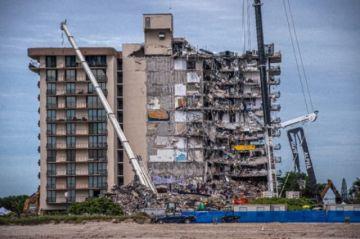 Número de muertos en edificio colapsado en Florida sube a 90
