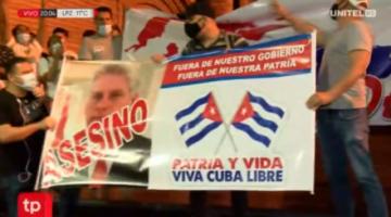Residentes cubanos en Santa Cruz expresan su apoyo a las protestas en su país