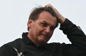 """Bolsonaro padece """"obstrucción intestinal"""" y podría someterse a """"cirugía de emergencia"""""""
