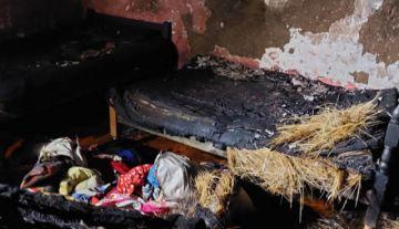 Dos hermanitas fallecen y cuatro niños sobreviven a incendio en su vivienda en El Alto