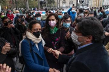 Chile vota en primarias presidenciales de derecha e izquierda