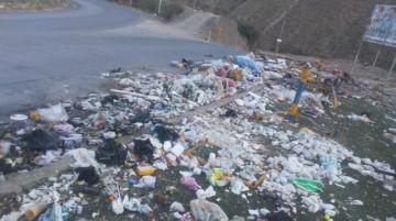 EMAP recolecta basura de la avenida Panamericana