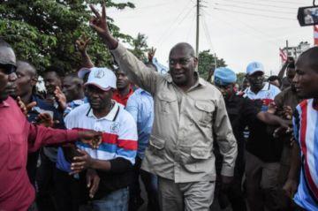 Reportan detención del líder del partido de oposición de Tanzania junto con otros miembros