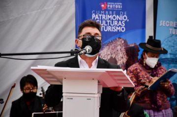 Ministro de Minería ratificó su compromiso en validar el Plan de Manejo en cumbre de culturas