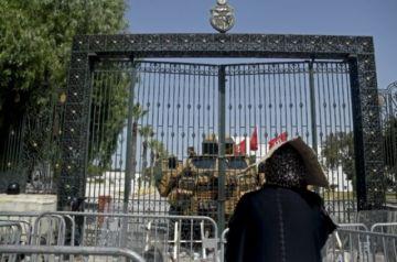 La concentración de poderes del presidente de Túnez aboca su país a la incertidumbre