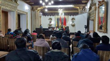 Gobernación se reúne con instituciones para analizar conflicto con Oruro