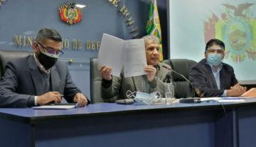 Gobierno dice que un suboficial habría recibido el material bélico de Argentina