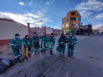 Realizan la limpieza de los accesos a la ciudad de Potosí en cumplimiento a ley municipal