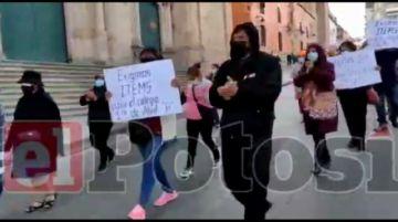 Padres de familia exigen ítems para la unidad educativa 1ro. De Abril