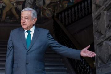 Presidente de México no descarta juicios a exmandatarios tras apático referéndum sobre el tema