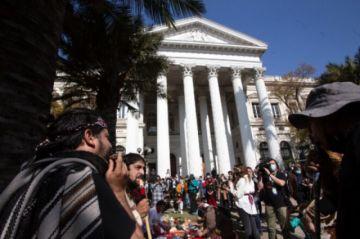 Constituyente de Chile celebra su primer mes con ceremonia ancestral