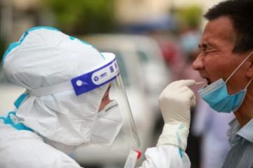 EEUU planea admitir extranjeros vacunados mientras China restringe los viajes