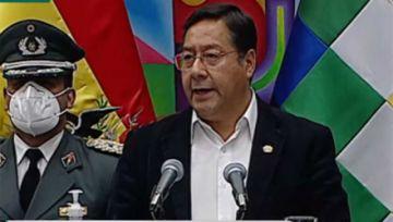 Presidente Arce recuerda la subordinación en las FFAA