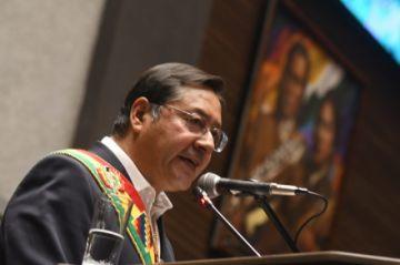 Arce afirma que hay 'grupos minoritarios' que quieren desestabilizar al país y que el pueblo no lo permitirá
