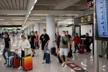 España prorroga la cuarentena a viajeros de seis países, incluidos Brasil y Argentina