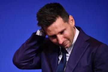 """Un emocionado Messi dice que """"nunca"""" imaginó que se iría del Barça"""