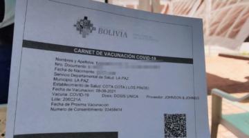 Policía investiga venta de certificados de vacunación anticovid falsos en tres regiones
