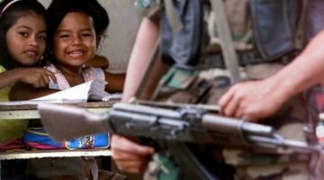 Tribunal de paz investigará a exguerrilla FARC por reclutar a 18.000 menores en Colombia