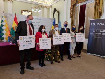 Bolivia recibe 153.600 dosis de AstraZeneca donadas por Suecia bajo el mecanismo COVAX
