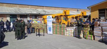 Incautan en El Alto más de 4 toneladas de productos agrícolas de contrabando
