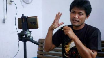 """Mecánico 'influencer' de Indonesia transformó a su comunidad en un """"pueblo de YouTubers"""""""