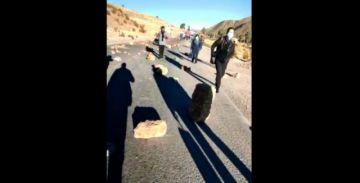 Reportan bloqueo en la carretera Potosí-Sucre