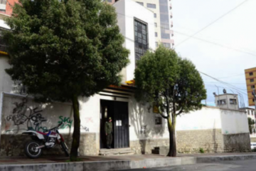 Senadora denuncia que el Gobierno moviliza a internas de Miraflores contra Áñez