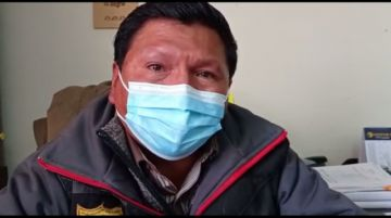 Intentan levantar el bloqueo del camino Potosí-Sucre con diálogo