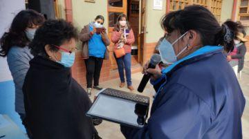 Aldeas Infantiles SOS entregó tabletas a familias