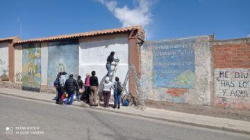 Pintan murales contra el acoso a mujeres en las universidades