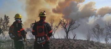 Una mujer bombero muere en medio de un incendio forestal en Cochabamba
