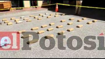 Policía secuestra más de cien kilos de droga en operativo en Potosí