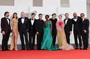 """El planeta desértico de """"Dune"""" impacta en Venecia con un filme suntuoso"""
