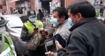 Arrestan a ebrios que agredieron a agentes de parada