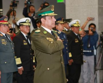 Disponen la baja definitiva del general de Policía Yuri Calderón por su participación en la crisis de 2019