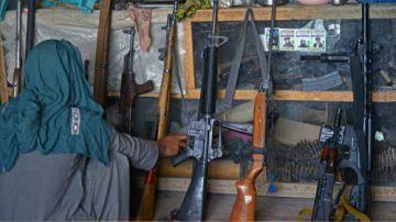 Las ventas de armas, en auge en Kandahar, cuna de los talibanes en Afganistán