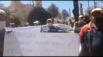 Pobladores de Poco Poco piden camino hasta Puente Méndez