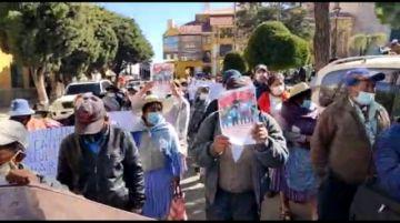 Pobladores de Alto Potosí marcha exigiendo proyectos en su zona