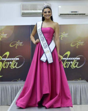 Macarena Castillo logra corona para evento en Polonia